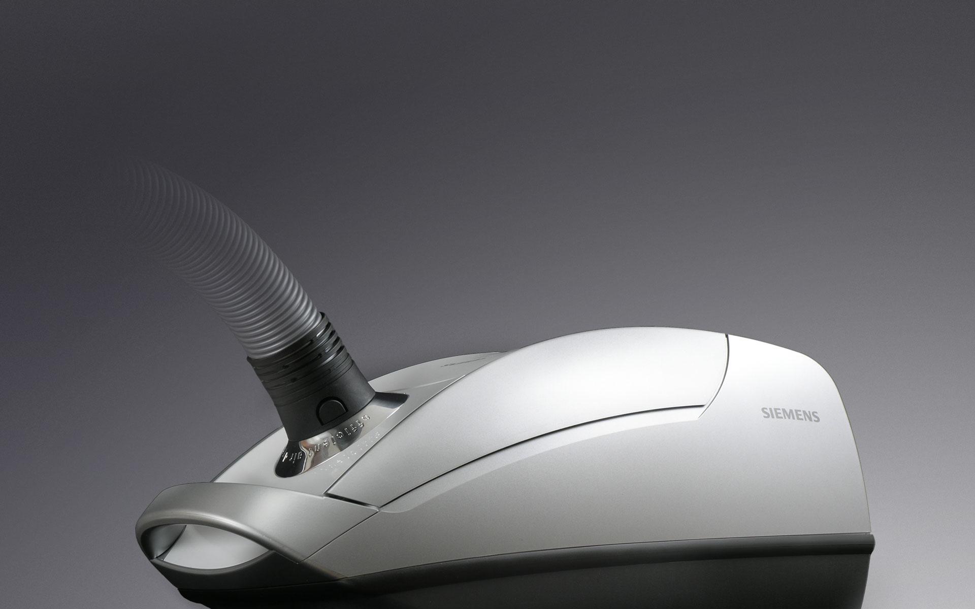 Produktdesigner d+e entwerfen Staubsauger SIEMENS «Z 6»